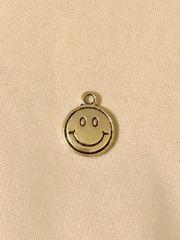 1784. Emoji Pendant