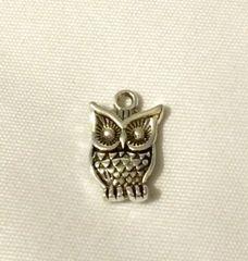 1383. Owl Pendant