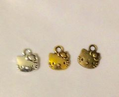 1194. Hello Kitty Face Pendant