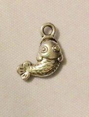 1520. Fish Pendant