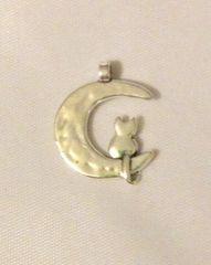 1466. Cat Pendant