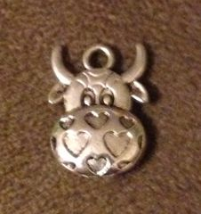 1047. Cow Face Muzzle with Hearts Pendant
