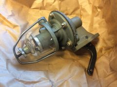 CAM ACTUATED FUEL PUMP JE9350, 2910-00-791-0729 NOS