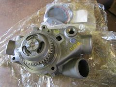 DETROIT DIESEL WATER PUMP 6/8V92 WALKING, 23506602 NOS