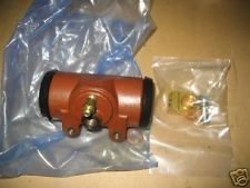 5 TON SERIES FRONT WHEEL CYLINDER 8758255, 2530-00-288-6169 NOS