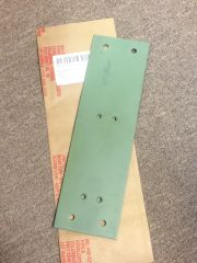 M998 VARIANTS FIRE EXTINGUISHER MOUNTING BRACKET 12446706, 5340-01-473-4800 NOS