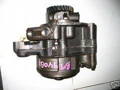 M939 5 TON 900 SERIES ENGINE OIL PUMP BM94082 NOS