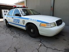 1998 Ford Crown Victoria - NYPD Police Car