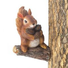 Gathering Country Squirrel Tree Decor