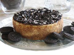 "Cookies-N-Creme Cheesecake - 7"" size (serves 6-8)"