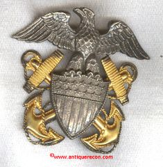 WW II US NAVY OFFICER'S CAP BADGE - H-H