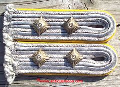 WW II GERMAN LUFTWAFFE FLIGHT CAPTAIN SHOULDER BOARDS