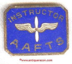 WW II ARMY AIR FORCES TRAINING SCHOOL INSTRUCTOR BADGE