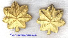 WW II US ARMY MAJOR INSIGNIA - CROSSED CANNON MARK
