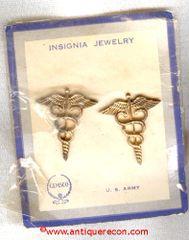 WW II US ARMY MEDICAL OFFICER COLLAR INSIGNIA - GEMSCO
