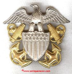WW II US NAVY OFFICER VISOR BADGE - GEMSCO