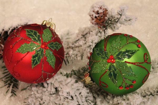 poinsettia glass ball christmas ornament
