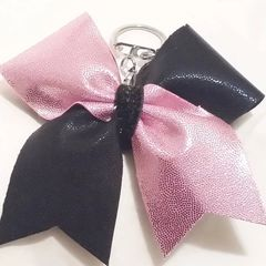 PINK METALLIC / BLACK METALLIC CHEER BOW KEYCHAIN