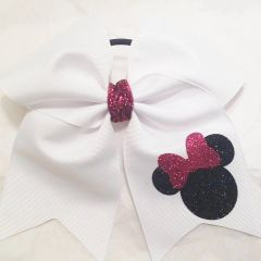CHEER BOW - MINNIE wearing bow