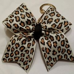 CHEER BOW KEYCHAIN ( Light cheetah )