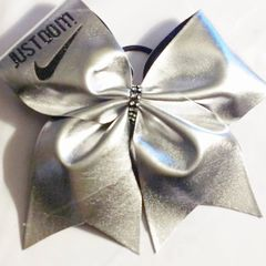 CHEER BOW - NIKE JUST DO IT SILVER METALLIC