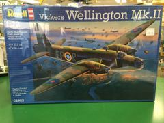 Revell Vickers Wellington Mk.II 1/72 Plastic Model Kit (RVLS4903)