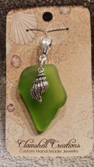 Green tumbled glass pendant with Shell