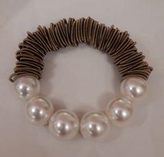 Sea Lily Piano Ring Multi Pearl Bracelet