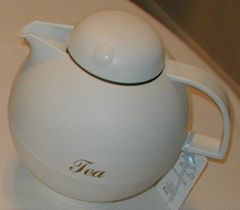 Thermal tea pot with infuser