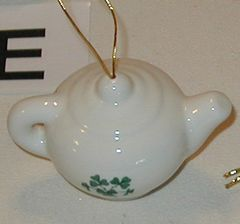 Mini Ornaments Shamrock Tea pot