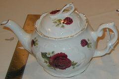 Burgundy Rose Tea pot