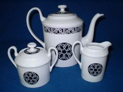 Celtic knot tea pot, cream and sugar