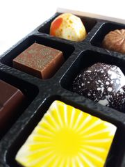 Mixed Selection of Chocolates - Box of 6