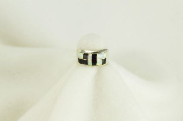 Sterling silver black onyx and white opal inlay ring. R070
