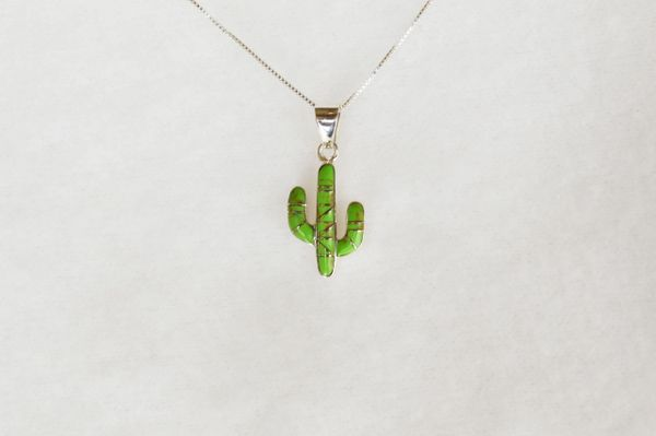 """Sterling silver gaspeite inlay cactus pendant with sterling silver 18"""" box chain. N095."""