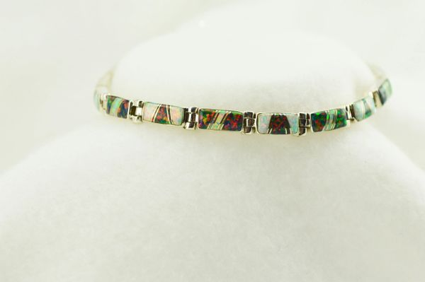 Sterling silver black and white opal inlay 7.75 link bracelet. B061