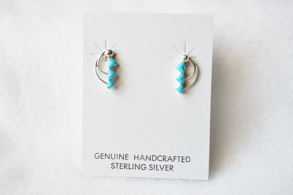 Sterling silver turquoise triple heart post earrings. E163