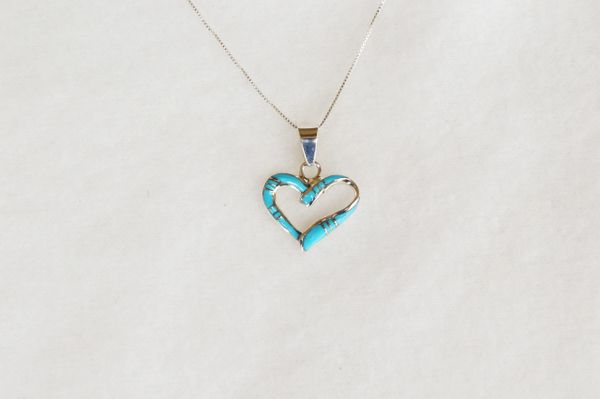 """Sterling silver turquoise inlay heart pendant with sterling silver 18"""" box chain. N083."""