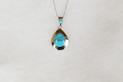 "Sterling silver turquoise inlay raindrop pendant with sterling silver 18"" box chain. N084."