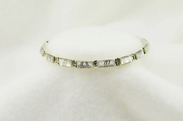 """Sterling silver mother of pearl inlay rectangle link 7.5"""" bracelet. B125"""