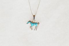 "Sterling silver turquoise inlay horse pendant with sterling silver 18"" box chain. N085."