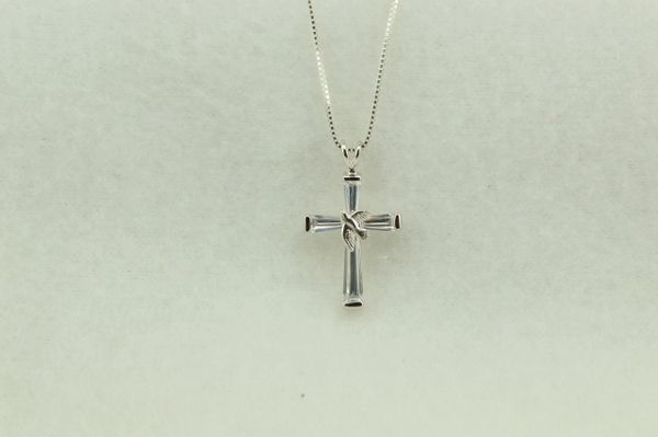 "Sterling silver cross pendant with sterling silver 18"" box chain. N220"