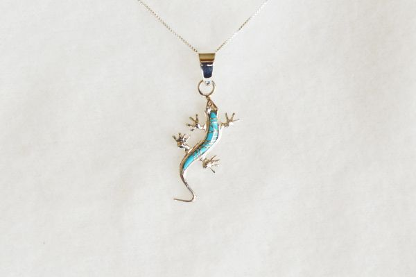 "Sterling silver turquoise inlay lizard pendant with sterling silver 18"" box chain. N092."