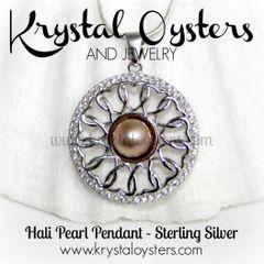 Hali Pearl Pendant Necklace