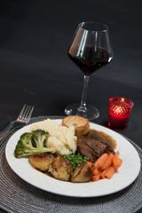 Family Roast Beef Dinner 4 x adults