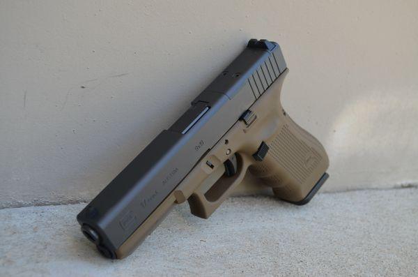 X-Werks Glock 17 Gen 4 MOS w/Glock FDE Frame 9mm 3-17rd
