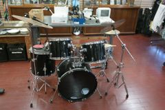 Groove Percussion Metallic Black 5 Piece Drum Set with Cymbals & Hardware