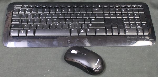 Microsoft Wireless Desktop 800 Keyboard Mouse and Receiver 2LF-00002