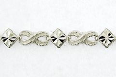 "10k White Gold Diamond-Cut and Milgrain Accented ""XO"" Link Bracelet 7.0"""
