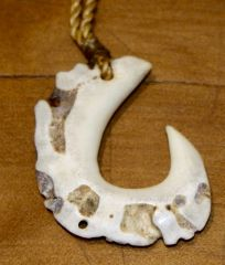 Hawaiian Fish Hook Necklace Whitetail Antler Rosette 07